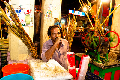 08IB453 Andhra Pradesh Hyderabad India Market Sugarcane
