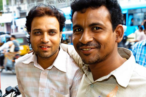 08IB442 Andhra Pradesh Hyderabad India Street Young Men