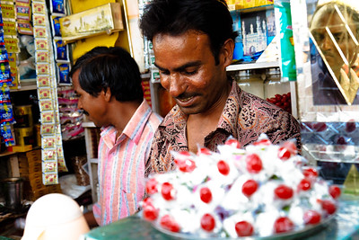 08IB438 Andhra Pradesh Hyderabad India Shopkeeper Street