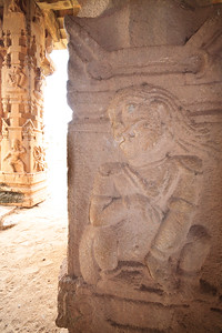 08IB326 Hampi Hindu India Karnataka Faith Statue