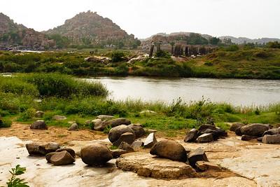08IB338 Hampi Hindu India Karnataka Faith Rivers Rock