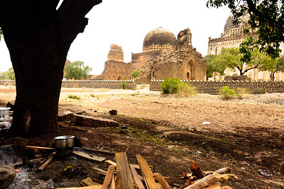 08IB488 Ashutur Tomb Bidar India Islam Karnataka Picnic