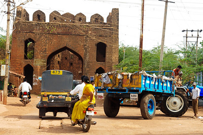 08IB510 Auto-Rickshaw Bidar Fort India Karnataka Truck