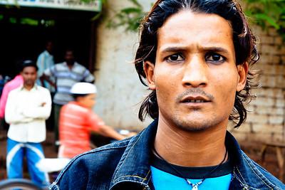 08IB509 Bidar India Karnataka Streets Younger Men