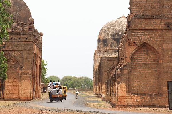 08IB489 Ashutur Tomb Bidar Fort India Islam Karnataka