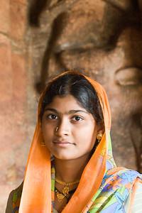 08IB219 Badami Buddhism Faiths Head and Shoulders India Individuals Karnataka Portraits Religions Younger Women religion