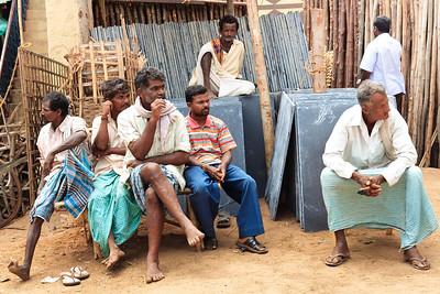 08IB349 Hospet India Karnataka Old Men Street WorkShop