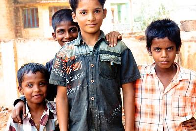 08IB505 Bidar India Karnataka Kids StreetsTorso