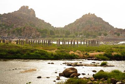 08IB339 Hampi Hindu India Karnataka Faith Rivers Rock