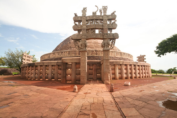 Click here to buy at Alamy. Keywords: Stupa Buddhism India Madhya Pradesh Sanchi Temple MyID: 06IP263