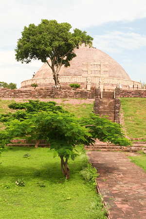 Click here to buy at Alamy. Keywords: Stupa Buddhism India Madhya Pradesh Sanchi Temple MyID: 06IP262