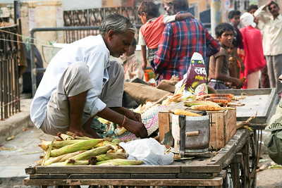 Click here to buy at Alamy. Keywords: Corn Grain India Jaipur Rajasthan Vendor sugarcane MyID: 06IP452