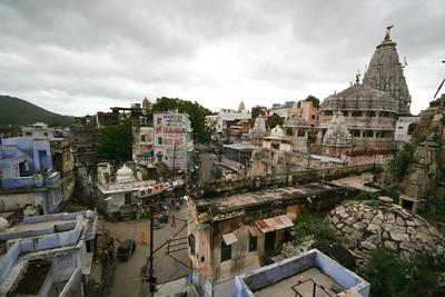 06IP434 City Hindu Houses India Rajasthan Temple Udaipur