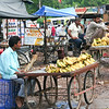 06IP384 Banana Bundi Fruit India Market Rajasthan