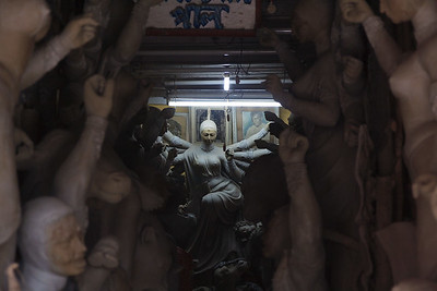 08IB547 India Kolkata Kumartuli Durga Statue West Bengal
