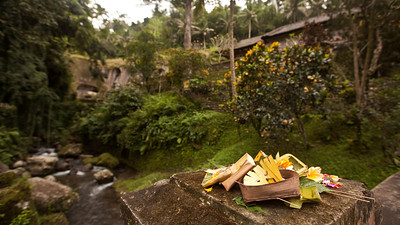 Offerings at the Bridge, Gunung Kawi