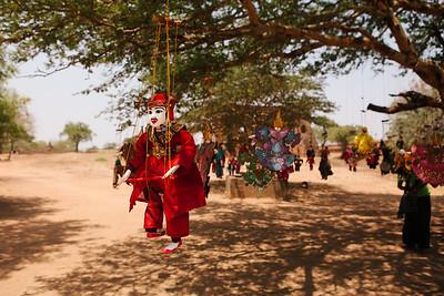 Puppet in a Tree, Dhammayangyi, Bagan