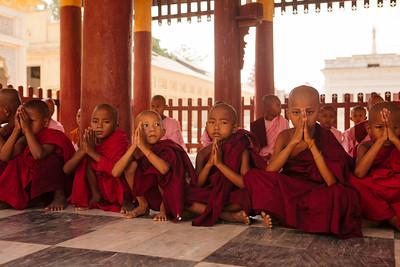 Monks, Shwezigone, Nyaung U