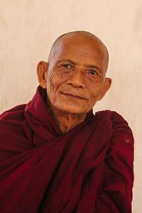 Monk, Shwezigone, Nyaung U