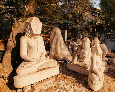 Buddha in Progress, Mandalay