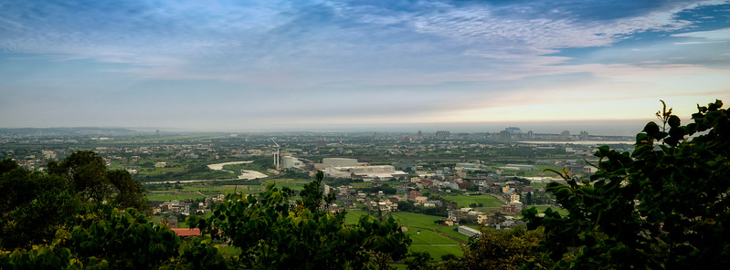 panoramic view at edge of Little Dingdong park