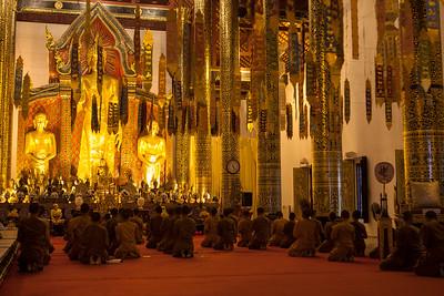 Prayer, Wat Chedi Luang, Chiang Mai