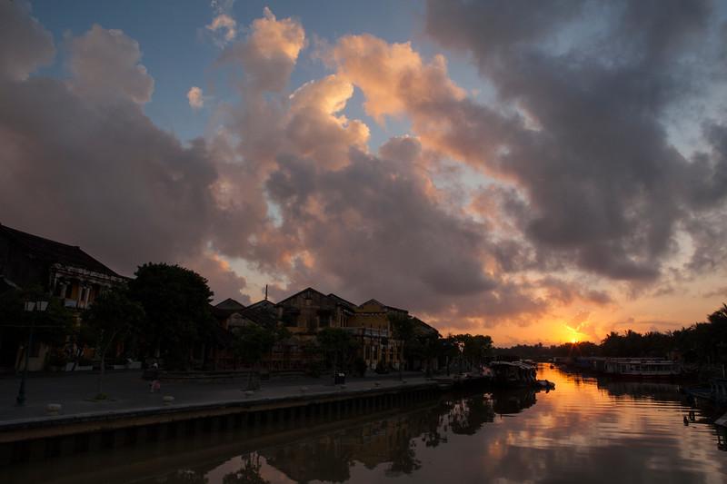 Sunrise II, Hoi An