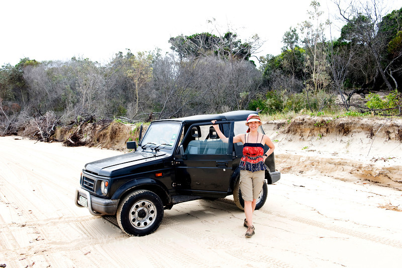 The photographer (Wang Hong) at Hook Point on Fraser Island in 2011, by Dr. Marcus Schuetz.