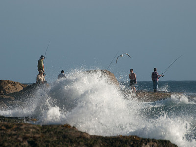 Surf casting at Bondie
