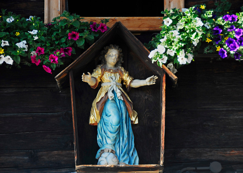 Figure of Mary - Ochsengarten, Austria