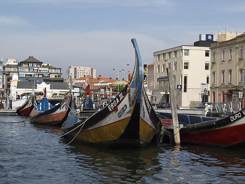 Moliceiros - Aveiro, Canal Central Local boats used in the Aveiro Lagoon