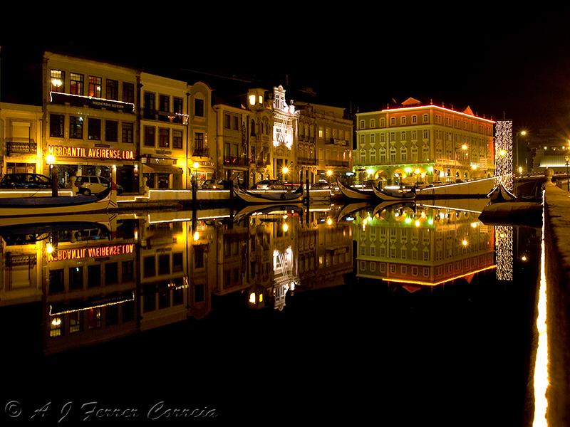 Aveiro - Canal Central da Ria à noite