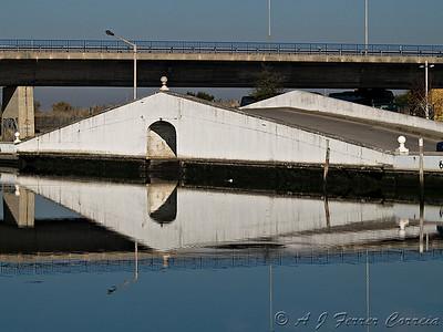 Ponte à entrada do Canal de S. Roque