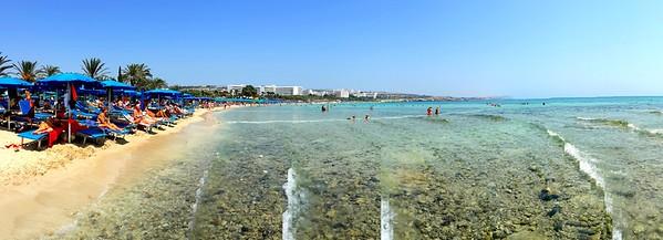 Another beach panorama