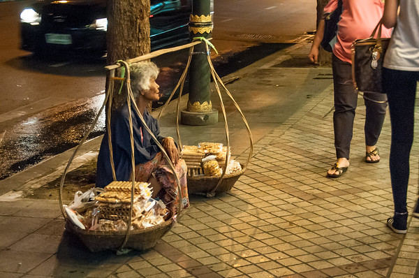 Street scenes from Bangkok, Thailand.  Photo by: Stephen Hindley ©
