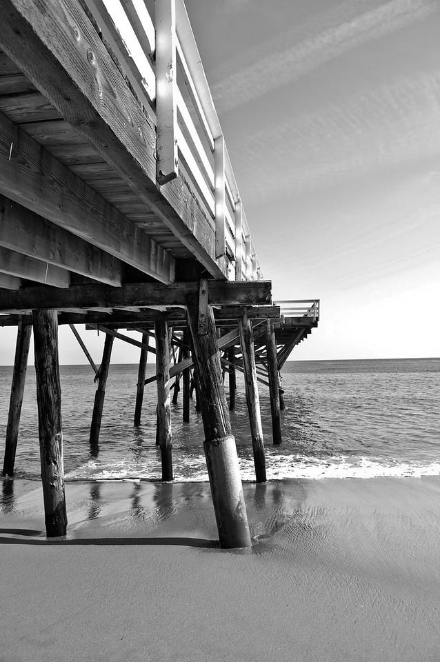 Malibu Pier B&W