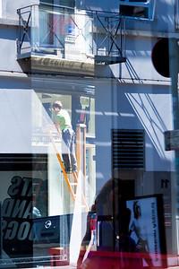 Cleaning Windows, Antwerp