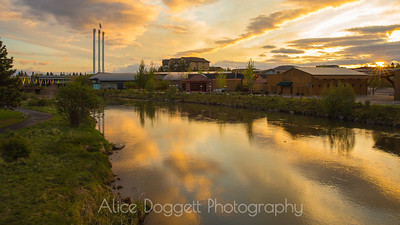 Inspiring Sunrise Reflects In Deschutes River, Bend, Oregon - 18