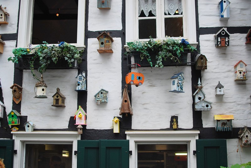 Toy birdhouses in Bensberg