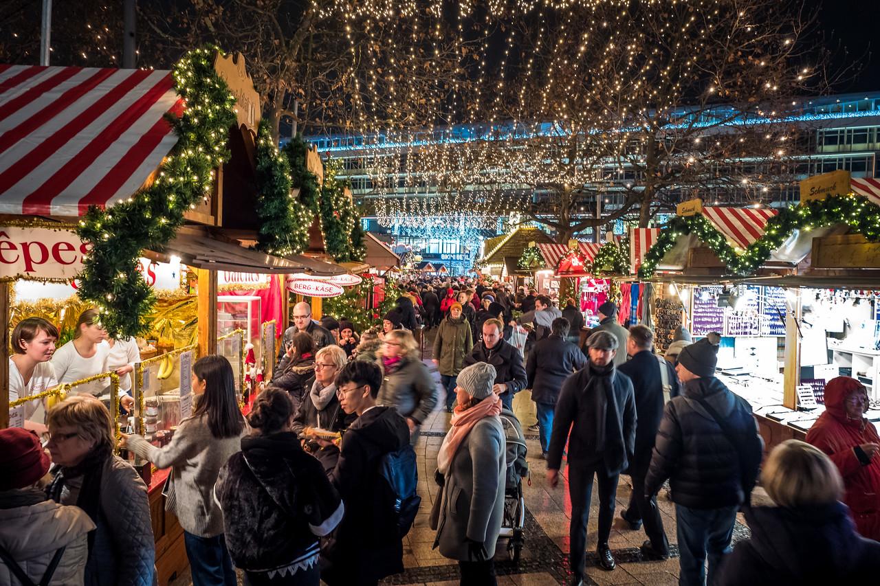 Weihnachtsmarkt in Berlin, Kaiser Wilhelm Memorial Church