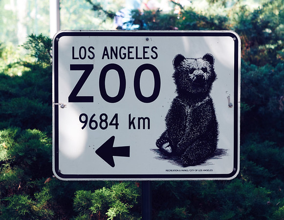 Very useful sign in Berlin Zoo