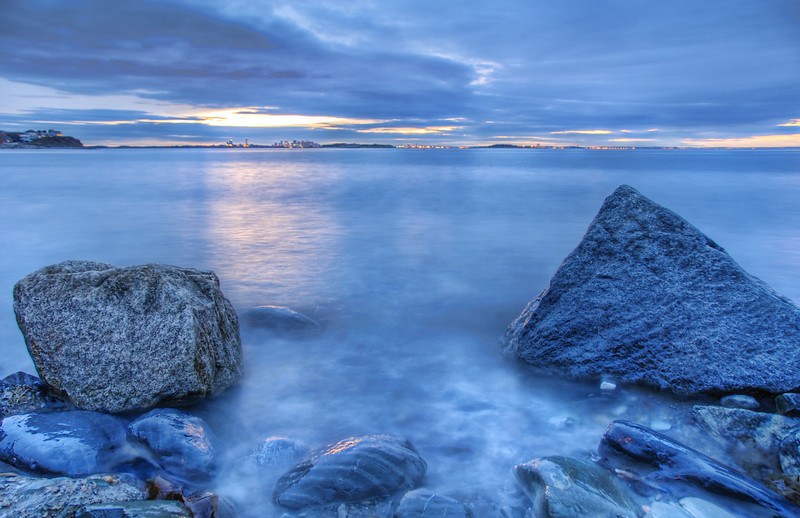 Sunset on the Rocks en Bleue