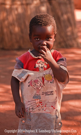 Boy with Dancing Shirt_MG_6711 web