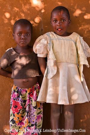 Two Girls at Wall_MG_6735 web