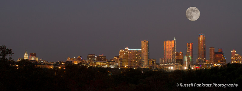20120830 Full Moon Rising Over Austin