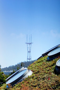 Sutro Tower as seen from the living roof at the California Academy of Sciences A day at the California Academy of Sciences ref: 73ac13b9-6aee-45a0-87b1-0c86cb9b906b