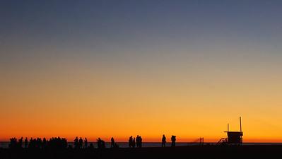 Sunset over Venice Beach jam session ref: 404e42d8-031e-4c3a-b097-8a3af225f291