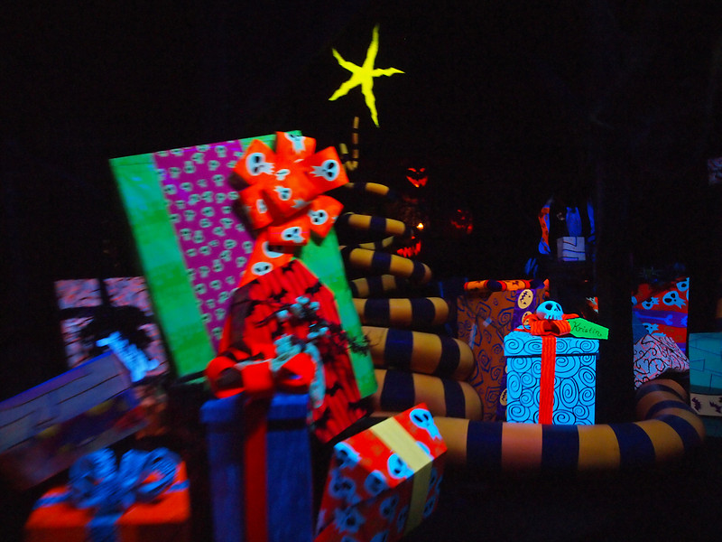 Haunted Mansion ride at Disneyland - 9 Dec 2010
