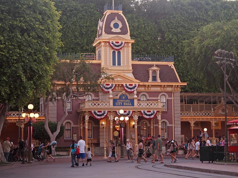City Hall at Disneyland - 25 Aug 2011