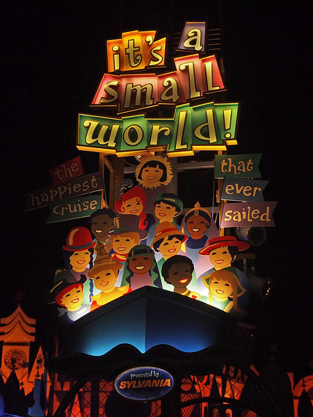 It's a Small World at Disneyland - 25 Aug 2011
